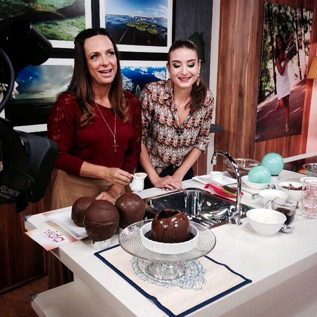 Gabi Rossi faz 'Bola que Derrete sobre Brownie' AO VIVO na Rede Vida