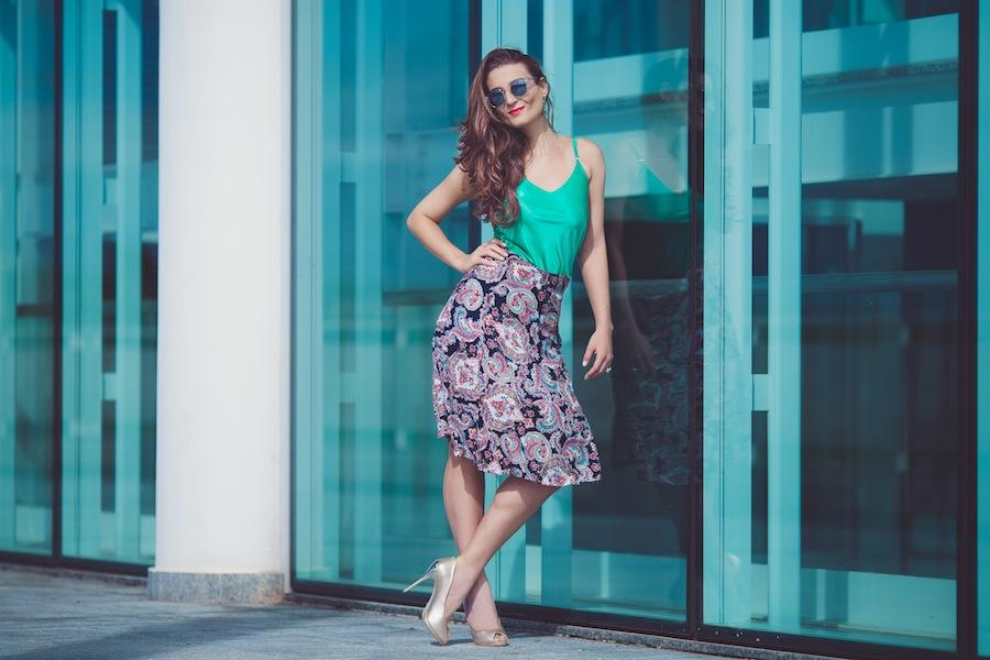 Moda: saiba como montar looks divertidos com a tradicional saia lápis