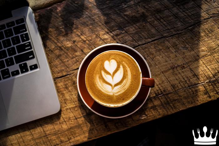 """Bem-estar: O """"cafezinho nosso de cada dia"""" faz bem pra saúde?"""