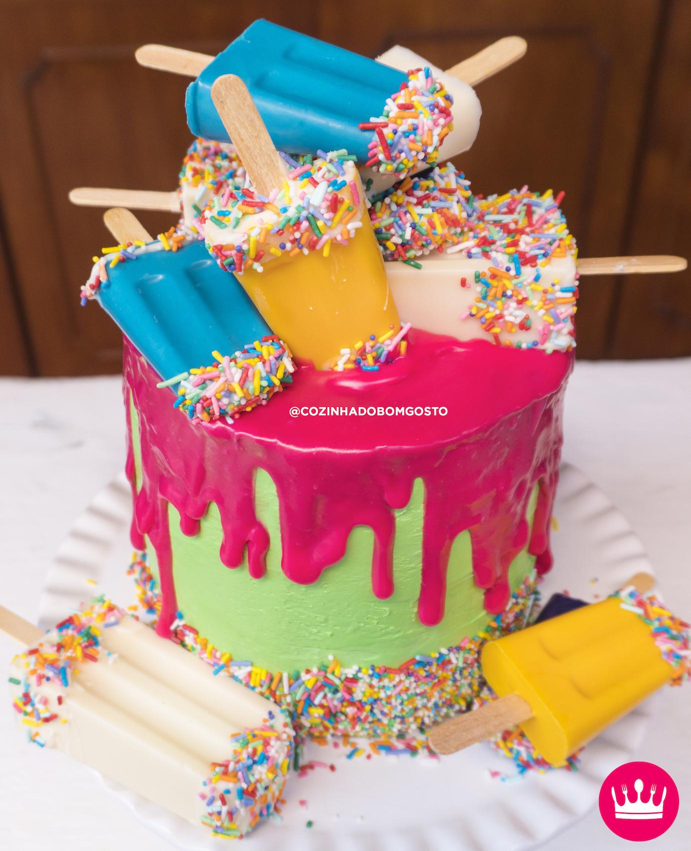 """DRIP CAKE PICOLÉ: aprenda a fazer o """"bolo escorrido""""!"""