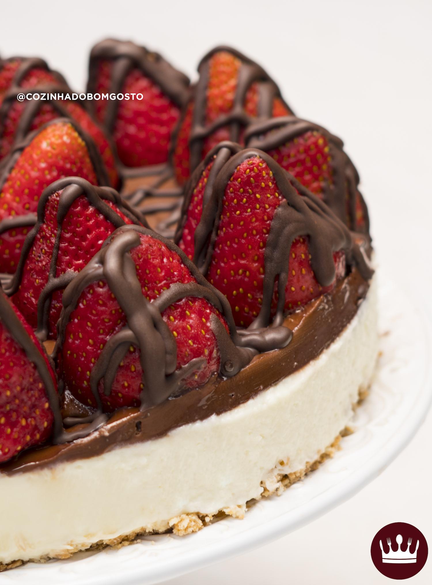 TORTA CHOCONINHO: CHOCOLATE, LEITE NINHO E MORANGO!